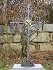 Kreuz, Bronzestern