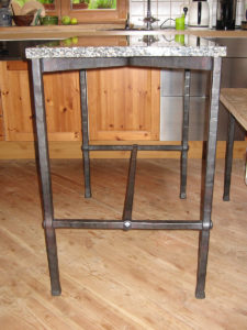 Tisch, Steinplatte